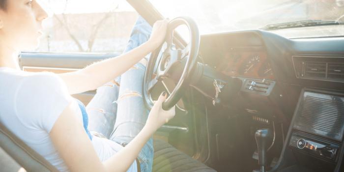 le permis premi re voiture la check list pour ne pas vous faire rouler l 39 etudiant trendy. Black Bedroom Furniture Sets. Home Design Ideas