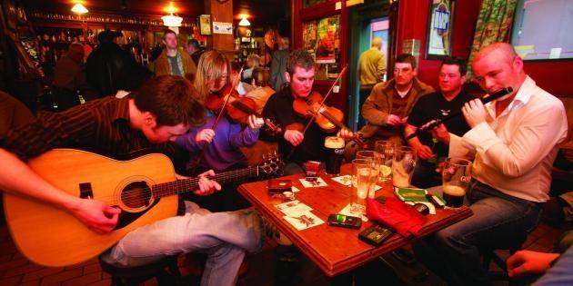 Laissez-vous envoûter par le charme des vieux pubs de Belfast //©Northern Ireland Tourist Board