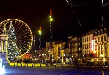 Le soir, la place Jaude de Clermont-Ferrand fait partie des lieux les plus fréquentés par les noctambules. //©Sam 17 / Flickr