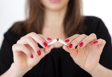 Accro à la cigarette,  j'arrête ! //©