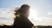 Cours, fêtes, examens… Reboostez vos cheveux abîmés !