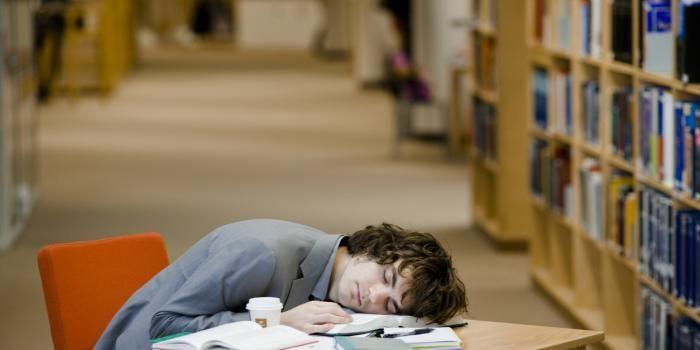 Marre des coups de barre en pleine journée ? Suivez plutôt nos conseils anti-fatigue.