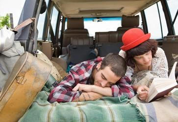 Les voyages forment la jeunesse... et les couples ? //©PlainPicture