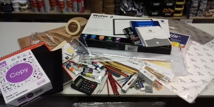 À l'école d'art Émile-Cohl, des packs de rentrée à 400 € sont proposés aux élèves.