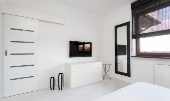 mon appart premier appart les indispensables pour votre chambre d tudiant l 39 etudiant trendy. Black Bedroom Furniture Sets. Home Design Ideas