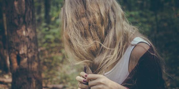 Cinq coiffures pour vous sauver la mise et le moral. //©PlainPicture