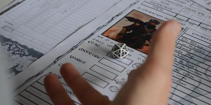 Jeux vid o le jeu de r le revient sur la table l 39 etudiant trendy - Jeu de role sur table en ligne ...