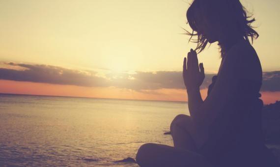 Réussir à se détendre et évacuer le stress par la sophrologie