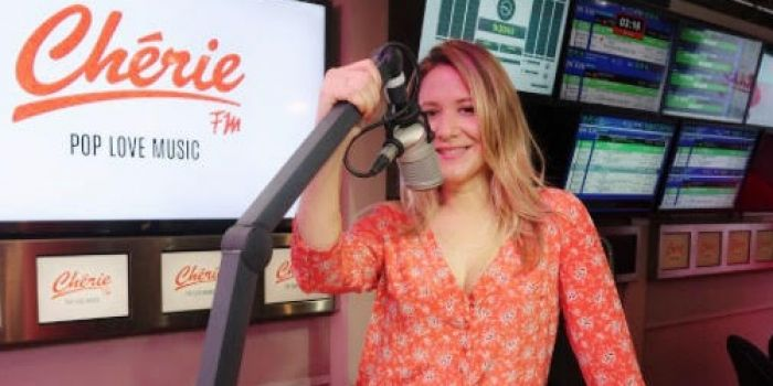 Le matin à la radio, le soir à la télé, les journées de Stéphanie Loire sont bien remplies !