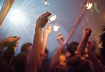 Super soirée ou grosse galère, les WEI laissent toujours des souvenirs impérissables. //©PlainPicture