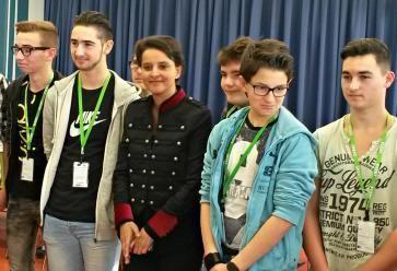 Les lycéens venus pour le hackaton Facebook ont rencontré la ministre de l'Éducation nationale. //©Catherine de Coppet