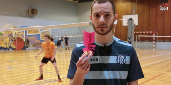 Entre badminton et volley, un sport qui pourrait vous plaire.
