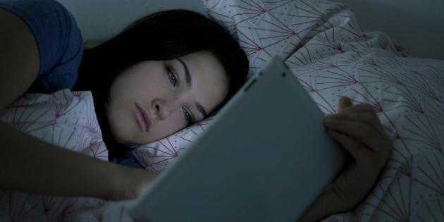 Pour se prendre pour la Belle au bois dormant, arrêtez les écrans. //©PlainPicture