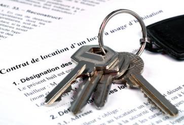 Bail, loyer, clause de solidarité : tout savoir sur le contrat de colocation //©PlainPicture
