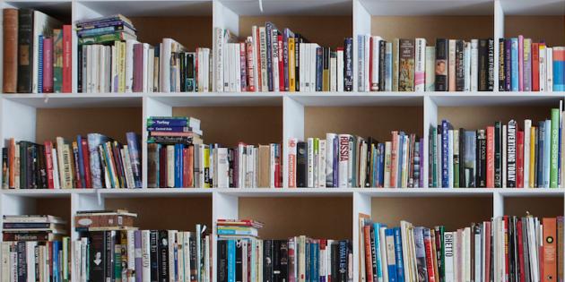 Sur quel livre allez-vous vous jeter en premier ? //©PlainPicture / Cultura