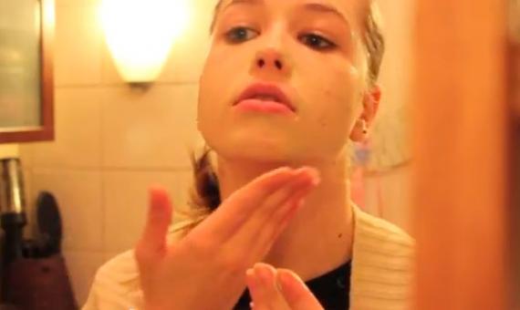 """Vidéo Beauté : la routine """"soins"""" pour une belle peau toute la semaine"""