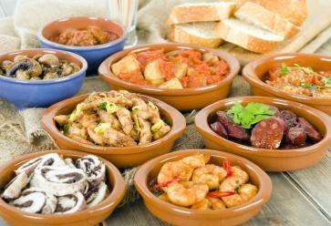 À Grenade, vous allez vous régaler avec les plats de tapas //©Paul Brighton