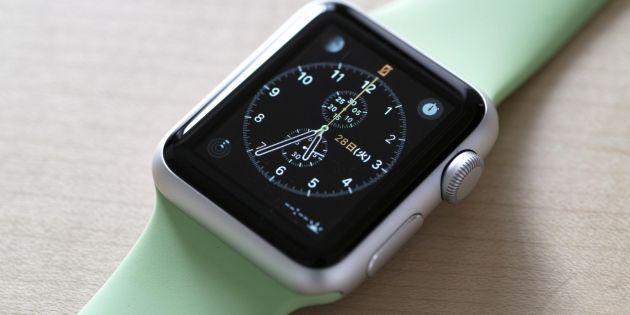 Au Royaume-Uni, certaines écoles et universités ont rapidement interdit les montres connectées dans les salles d'examens. //©Yasunobu Ikeda