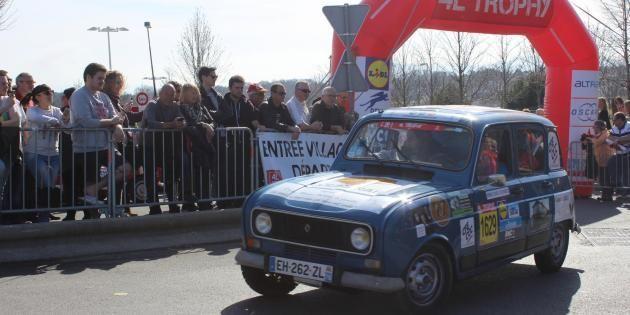 1450 équipes se sont élancées de Biarritz pour les 20 ans du 4LTrophy. //©Delphine Dauvergne