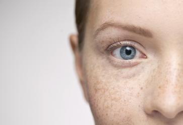 La peau tirée par les examens ? Reprenez un coup de frais. //©PlainPicture