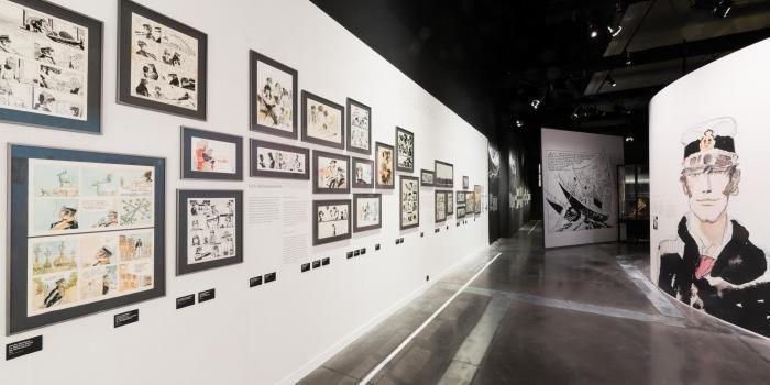 """Très belle scénographie de l'exposition """"Hugo Pratt, lignes d'horizons"""", à Lyon."""