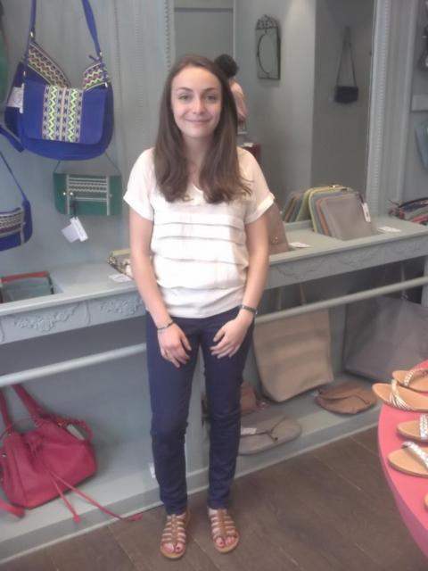 Looks d'étudiants en jobs d'été dans la vente - Claire