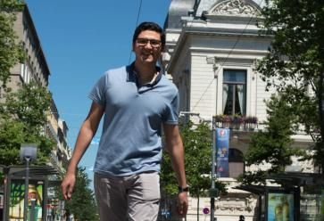 Vice-président étudiant de l'université Jean-Monnet, Alexandre apprécie les quartiers animés de Saint-Étienne. //©Alexa Brunet/Transit pour l'Etudiant