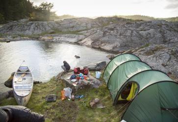 Au contact de la nature ou des autres, choisissez le camping qui vous va ! //©PlainPicture
