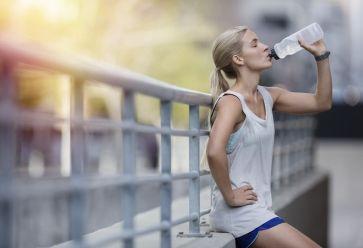 Ne négliger pas certains aliments quand vous faites du sport. //©PlainPicture