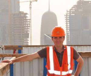 """Alban, diplômé de l'ESITC Caen : """"Je m'y suis pris dix mois à l'avance pour mon stage chez Bouygues au Qatar"""""""