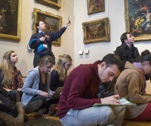 Au cœur de l'École du Louvre : pour l'amour de l'art