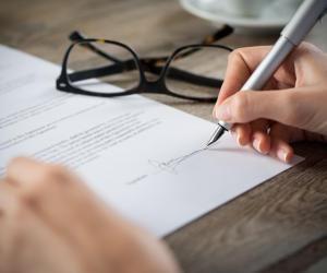 """Apprentissage : une hausse """"historique"""" de 40% des contrats en 2020"""
