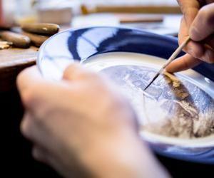 Métiers d'art : la Manufacture de Sèvres, le royaume des porcelaines