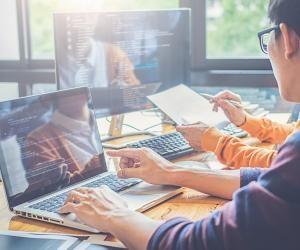 Avec ou sans le bac, trouvez un emploi dans les métiers du web