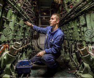Gwenn, de mécanicien sur Le Terrible à atomicien