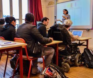 """Guillaume, lycéen en fauteuil : """"J'essaie de ne pas être vu comme différent"""""""