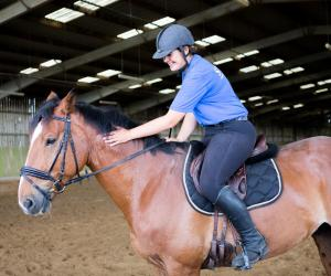 """Métiers du sport : """"Mon parcours de monitrice d'équitation"""""""
