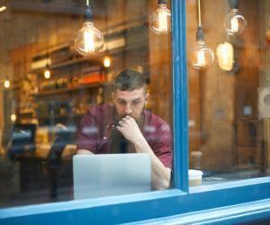 Recherche d'emploi oudestage: surveillez votreréputation enligne