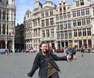 """Ma vie d'étudiante à Bruxelles : en Belgique, Alix est """"archi"""" inspirée"""