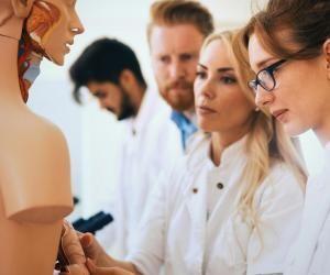 Études de santé : suppression du numerus clausus dès 2021