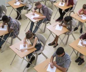 Ecoles de commerce : les écrits aux concours post-prépa reportés, les oraux annulés