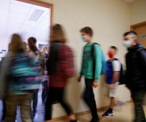 École, internat, sorties, petits boulots… Le point sur les attestations pour les mineurs