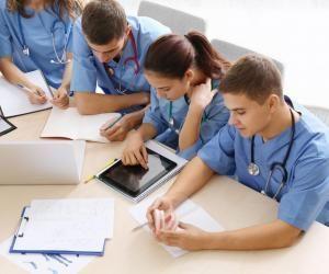 Les étudiants infirmiers peuvent aménager leurs études