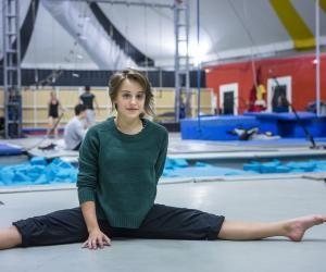 """Camille, en première année de cirque : """"Mon engagement sefera par la voie de l'art"""""""