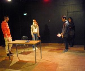 Quand des étudiants en management s'initient au théâtre au Cours Florent