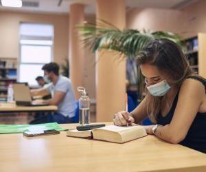Enseignement supérieur : les cours reprendront en présentiel à 50% en mai