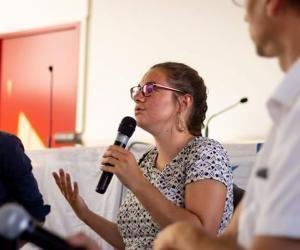 À Grenoble, Naomi aide les étudiants à trouver un logement en urgence