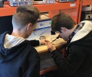 Ecoles d'ingénieurs : les lycéens se mettent dans la peau d'élèves-ingénieurs