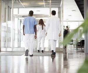 Parcoursup s'ouvre aux formations de technicien delaboratoire et d'infirmier