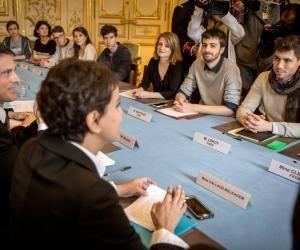Loi Travail : Apprentis, bourses, santé... 500 millions d'euros pour calmer la jeunesse